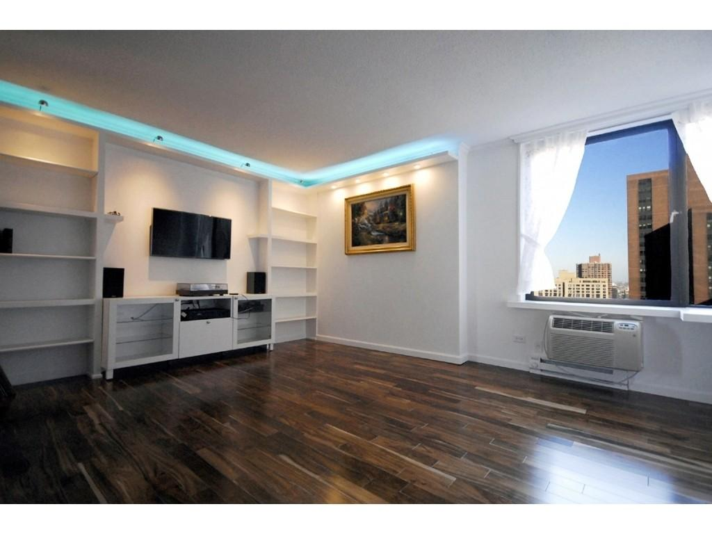 1 Condo in Upper East Side