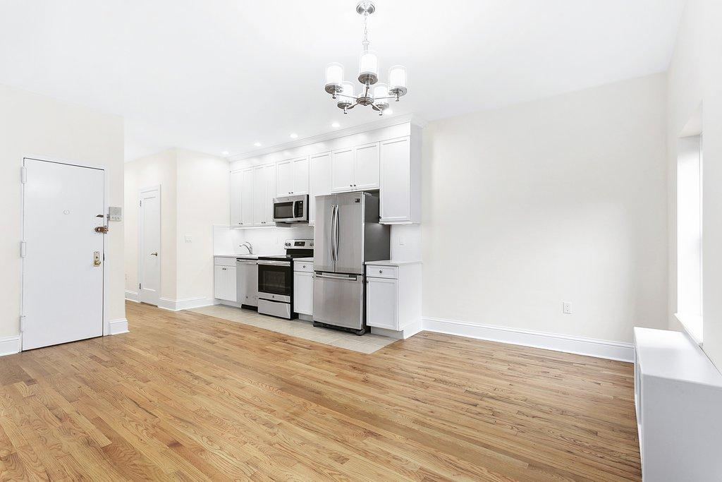1 Townhouse in Upper West Side